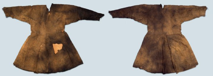 Kragelund tunic bog find dated to 1040-1155 is placed in National Museum of Denmark, Kopenhagen