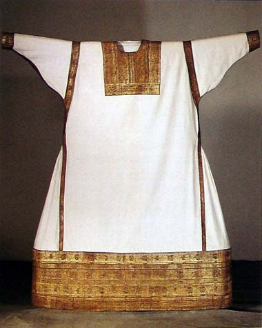 Alb of st. Bernulf who died in 1056 but garment is dated to 12th century. Rijksmuseum, Utrecht
