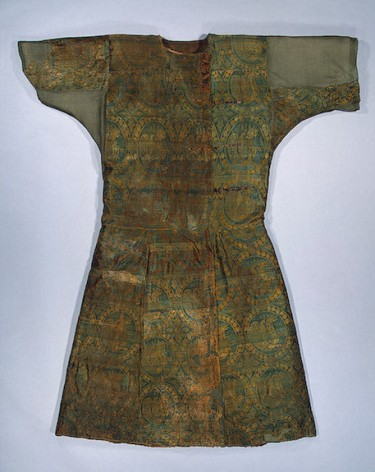 Caftan Early medieval culture of the Adygo-Alanian tribes. 9th century, Moshchevaya Balka, Hermitage. St. Petersburg