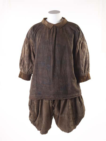 Shirt and breeches called slops worn by a sailor in 17th century. Museum of London. Copyright Museum of London