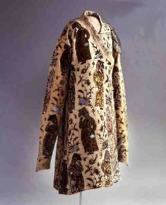 Caftan, from Iran, Safavid, c.1600 (velvet brocade & gold thread), The Royal Armoury, Stockholm