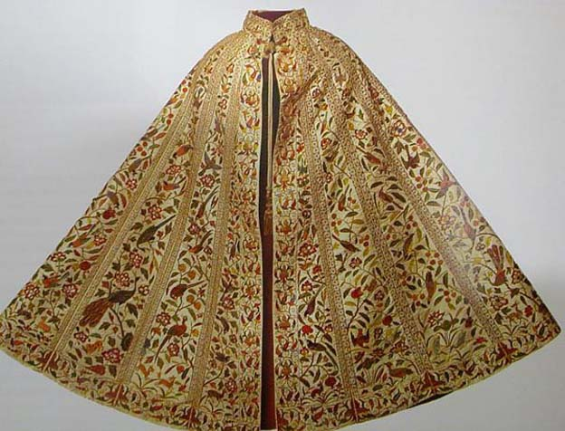 Cloak, Embroidered cloak of Spanish court fashion. Probably Bath Costume Museum, England