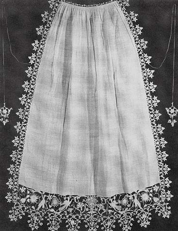 Apron, turn of 16/17th century, Lace and Lace Making, Mariane Powys, Dover Publicationns, 2002, www.realmofvenus.renaissanceitaly.net