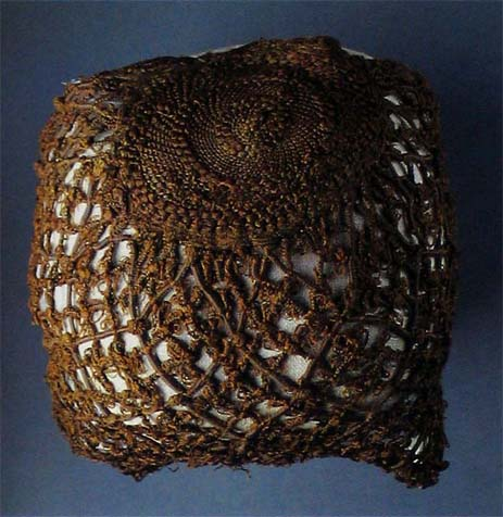 Hair net found in well on Prague Castle, before 1570, Story of Prague Castle
