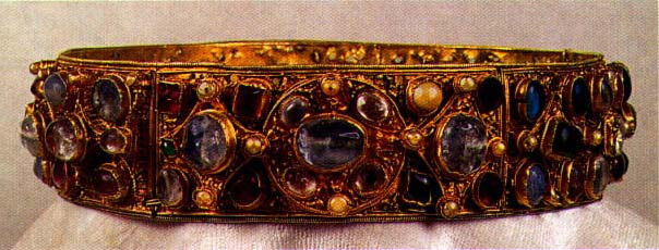 The Crown of Empress Kunigunda, German, first quarter of 11th century, L. Kybalova, Dejiny odivani - Stredovek, 2001