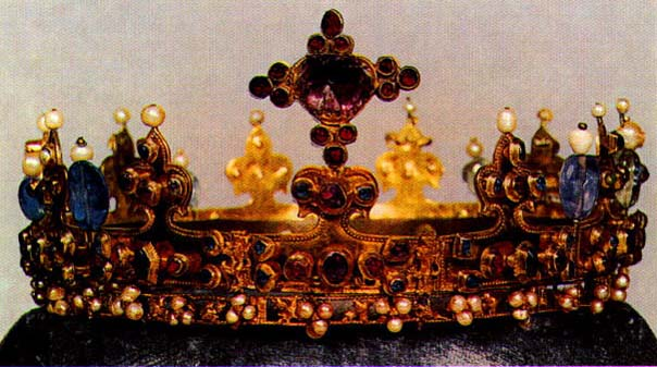 The Lady's Crown, Germany, 1350, L. Kybalova, Dejiny odivani - Stredovek, 2001